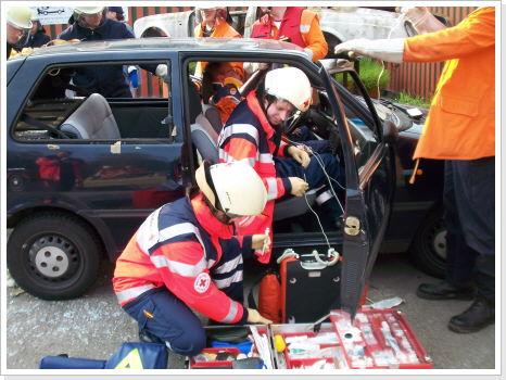 Übung Technische Hilfeleistung Verkehrsunfall – Feuerwehr Semd